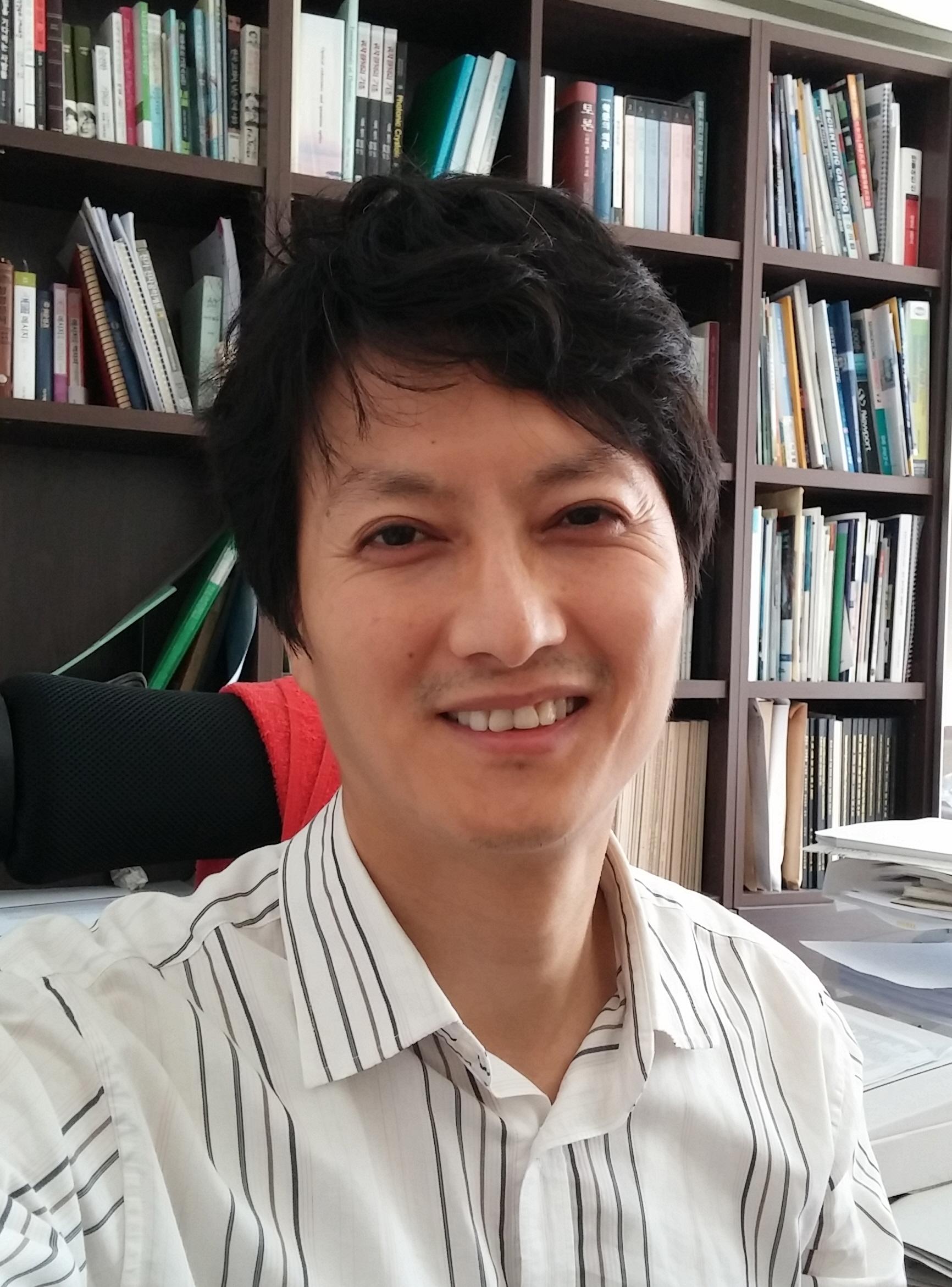 황인각 교수 사진