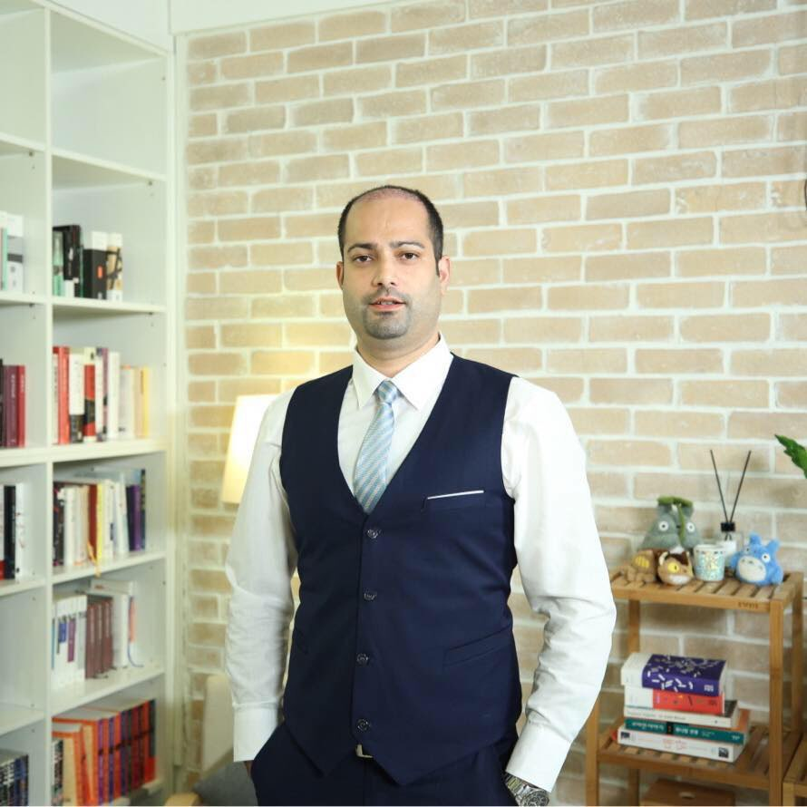 Hasnan Baber 교수